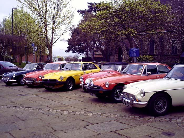 The Midlands Mafia once again clutter up Atherstone Market Square before sloping off to the pub!