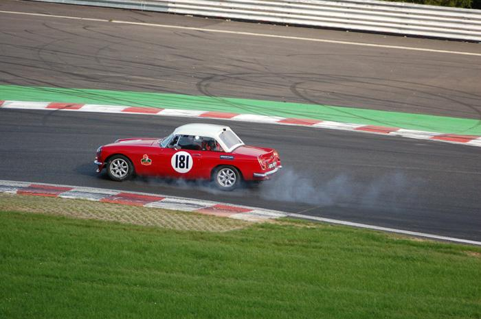 Six Hour endurance race - A lil' wee too fast !